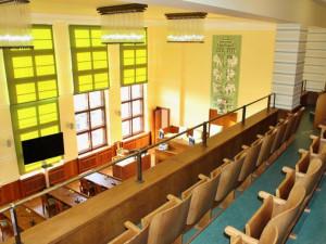 Po zasedací síni se opravy dočkala i galerie velkého zasedacího sálu