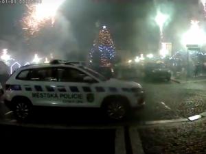 Útoky nožem a hořící kontejnery. Liberecko vítalo rok 2020