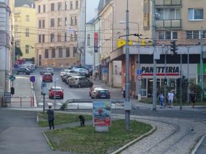 Řidiče v Jablonci čeká letos řada dopravních komplikací