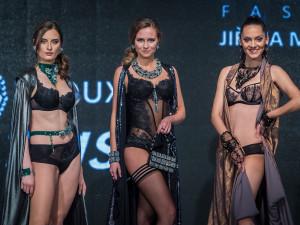 FOTO: Na přehlídce Made in Jablonec zazářili autoři návrhů i české miss
