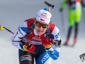 FOTO: Český pohár dal biatlonistům zabrat, nechyběly pády ani zlomené pažby