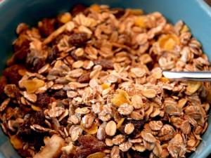 Snídaňové cereálie, nebo jen mouka s cukrem? Často to vyjde nastejno