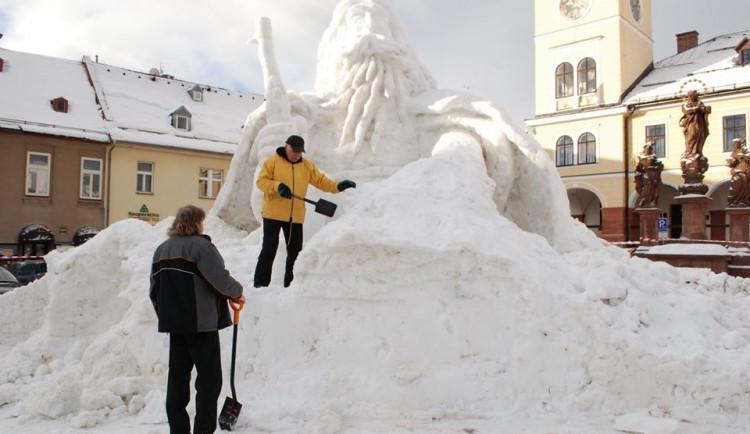 Jilemnici hrozí, že bude letos bez sněhové sochy Krakonoše