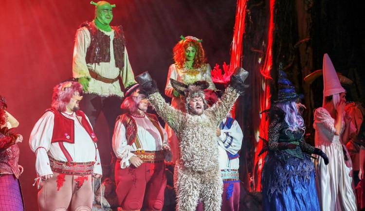 Po velkolepém úspěchu v Brně a Pardubích míří Zelený zlobr Shrek do liberecké Home Credit Arény