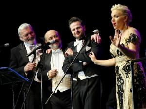 Belcanto v opeře a muzikálu! Daniel Hůlka zazpívá v Liberci. Brno a Pardubice populárnímu pěvci již ve velkém aplaudovaly