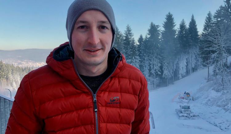 Ideální dny na výrobu sněhu můžeme spočítat na prstech jedné ruky, hodnotí zimu na Ještědu ředitel areálu Jakub Hanuš