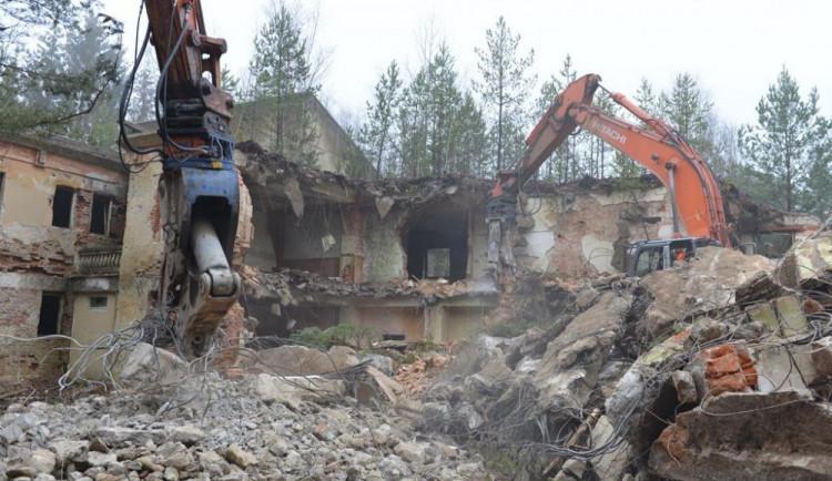 V Ralsku půjde k zemi dalších sedmnáct budov