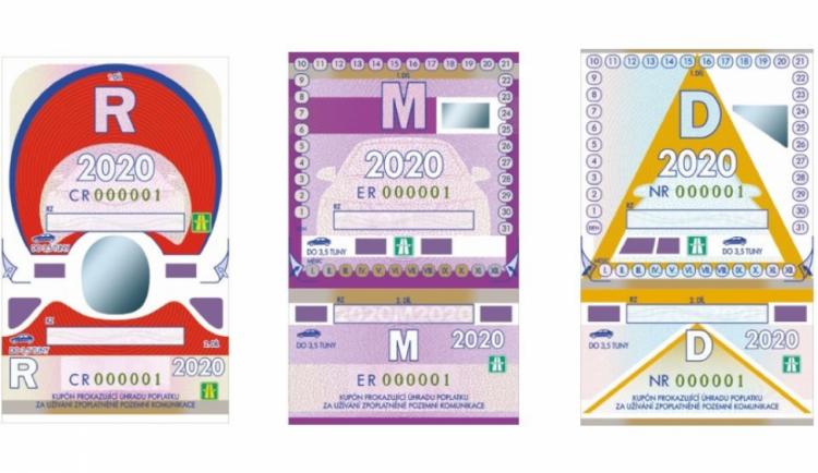 Dnes končí platnost dálničních známek pro rok 2019. Stát na nich vybral přes pět miliard