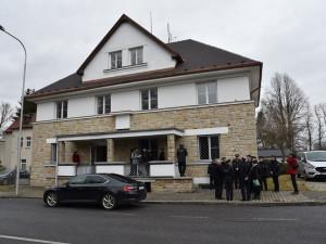 Z bývalé celnice služebna pro policisty. Zázemí tu najdou německé i české hlídky