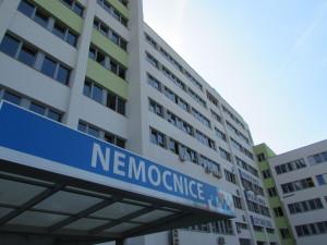 Nemocnice Česká Lípa vyhlašuje od středy zákaz návštěv na některých odděleních