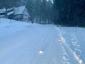 Liberecký kraj zasypalo až dvacet centimetrů sněhu, vítr zastavil lanovku na Ještěd