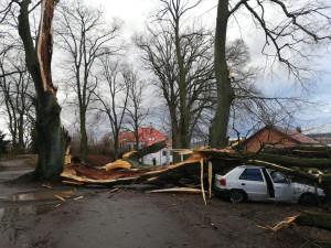 FOTO: Kalamita trvá, bez proudu jsou stále tisíce lidí