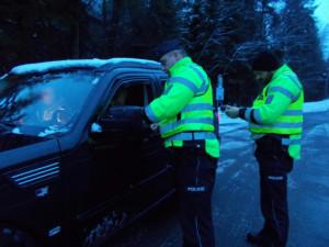 Policisté se zaměřili na provoz aut v zimě. Celkem odhalili skoro čtyřicet přestupků