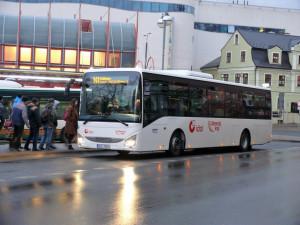 Krajský dopravce představil sedmnáct nových nízkopodlažních autobusů Iveco