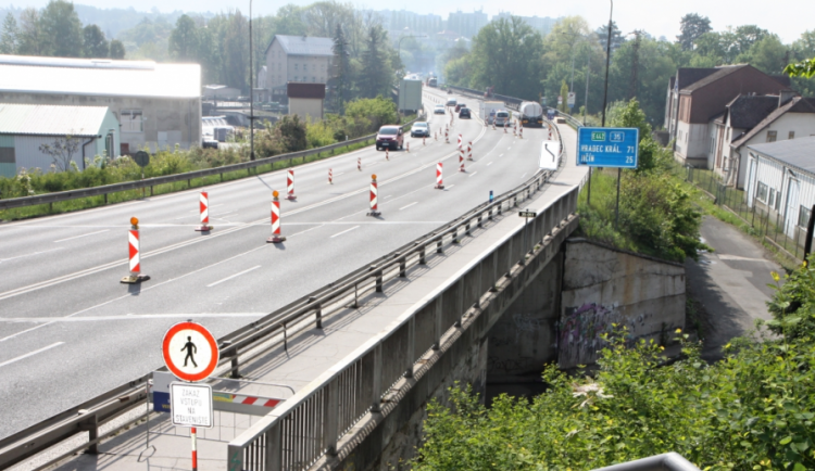 Oprava mostu v Turnově zkomplikuje dopravu na silnici 35 na Jičín
