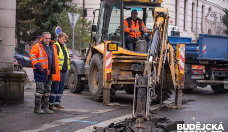 V Hrádku začala rekonstrukce vodovodu a kanalizace. Potrvá do příštího června
