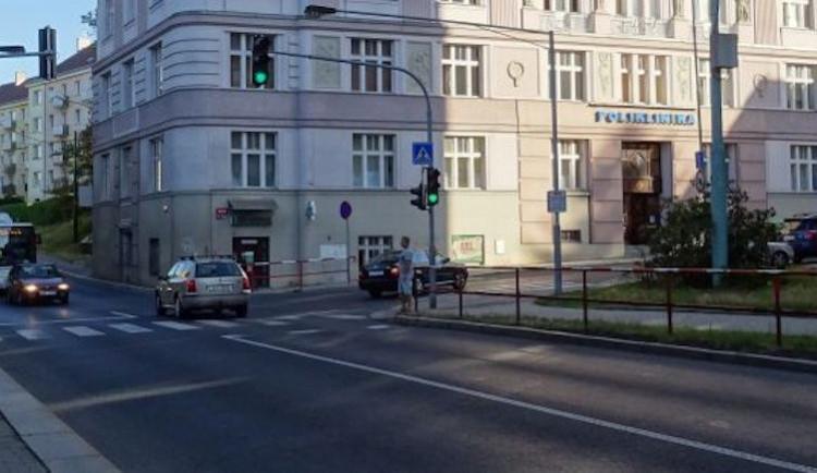 Dopravu v Jablonci zkomplikuje rozsáhlá obnova sítí, křižovatka ulic Poštovní a Budovatelů se uzavře