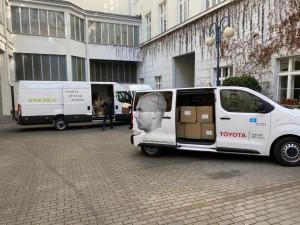 Asociace krajů ve spolupráci s Týmem silniční bezpečnosti rozvezla do regionů respirátory  a ochranné roušky pro řidiče ve veřejné dopravě