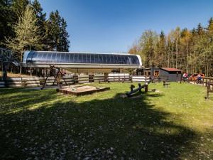 Slunečné počasí vylákalo do hor v Libereckém kraji desítky lidí