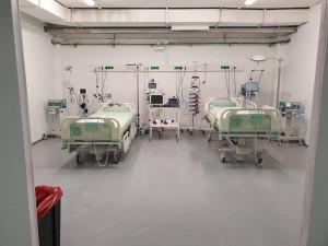 Bývalé garáže proměnili v České Lípě v nemocnici pro COVID-19