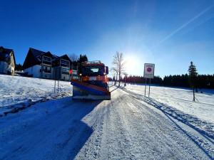 V Libereckém kraji nasněžilo a mrzne, silnice mohou klouzat
