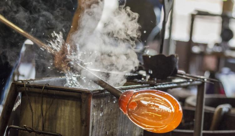 Majitel sklárny v Harrachově propustí deset procent zaměstnanců