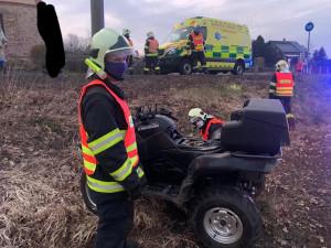 Čtyřkolka u Dětřichova bourala, řidič skončil v nemocnici