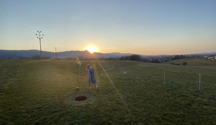 Fotbalgolfové hřiště ve Vesci otevřeno. Hráči musí dodržet některá pravidla