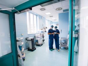 Počet hospitalizovaných v Liberci s covid-19 stoupl na jedenáct