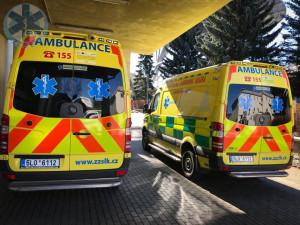 Záchranka dostane šest nových sanitek, důvodem je aktuální situace i výbuch v Hamru