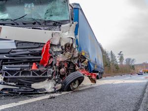 U silnic v Libereckém kraji přibyly od začátku roku další tři křížky. Deset lidí se při nehodě těžce zranilo