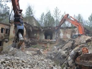 Kraj chce v Ralsku zlikvidovat dalších 17 budov v havarijním stavu