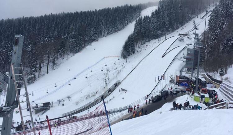 Světový pohár skokanů na Ještědu se opět odkládá, čeká se na úpravy můstků