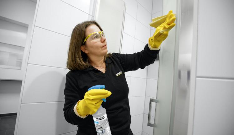 Sháníte kvůli koronaviru jednorázové i dlouhodobé dezinfekční služby? Společnost Čistící stroje je vám k dispozici
