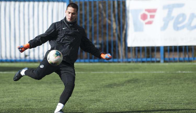 Zápasy půjdou rychle po sobě, hlásí z netradiční přípravy brankář Slovanu Filip Nguyen