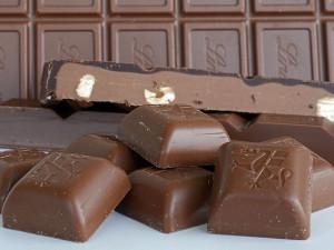 Mléčná čokoláda s lískovými ořechy: čisté pochutnání
