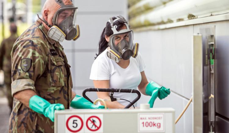 Armádní medici zůstanou v Libereckém kraji jen do konce května