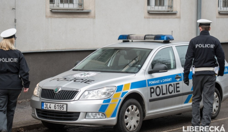 Řidič na Kubelíkovce srazil chodkyni a ujel. Policie hledá svědky nehody
