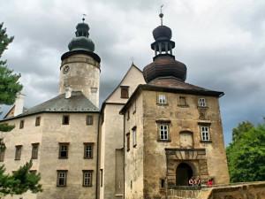 Od příštího týdne se otevřou hrady a zámky. Prohlídky budou probíhat v menších skupinách
