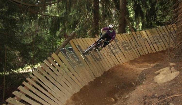 Bikepark v Lužických horách nabízí nové tratě s třemi stupni obtížnosti