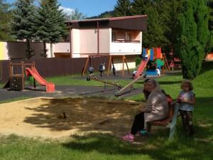 Dětská SOS vesnička slaví padesátiny, domov tady našlo téměř tři sta dětí