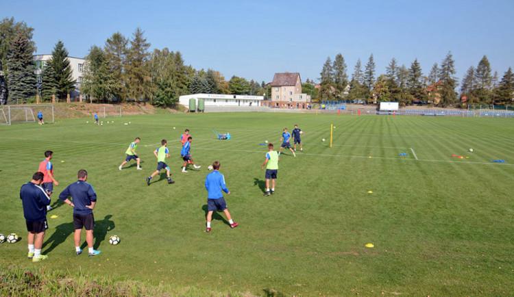 Slovan pořádá nábor mladých fotbalových nadějí. Sport má být pro děti zábava, láká trenér