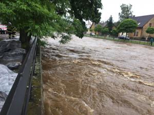 Noční deště zvedly hladiny řek. Na Frýdlantsku bylo vyhlášeno extrémní povodňové nebezpečí