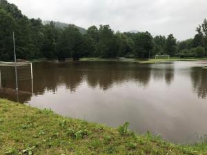 Řeky se přes noc většinou vrátily do normálu, od rána znovu prší