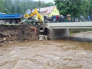 Na Frýdlantsku začali uklízet po povodních, škody jdou do milionů