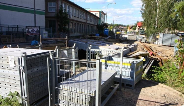 V Přepeřské ulici pokračují práce. Dojde ještě na několik uzavírek