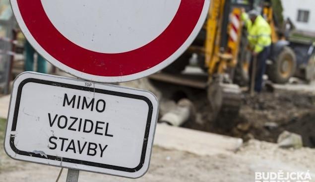 Ulicí Skalická v Novém Boru kvůli opravám neprojedou řidiči
