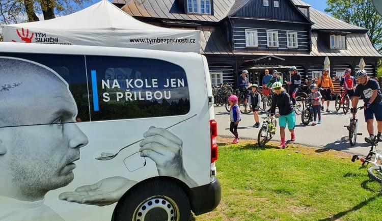 Bezpečná a zdravá cykloturistika s projektem Na kole jen s přilbou