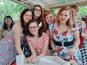 Happening Šaty dělaj(í) ženy ve Varšavě oslaví styl, eleganci a ženskost
