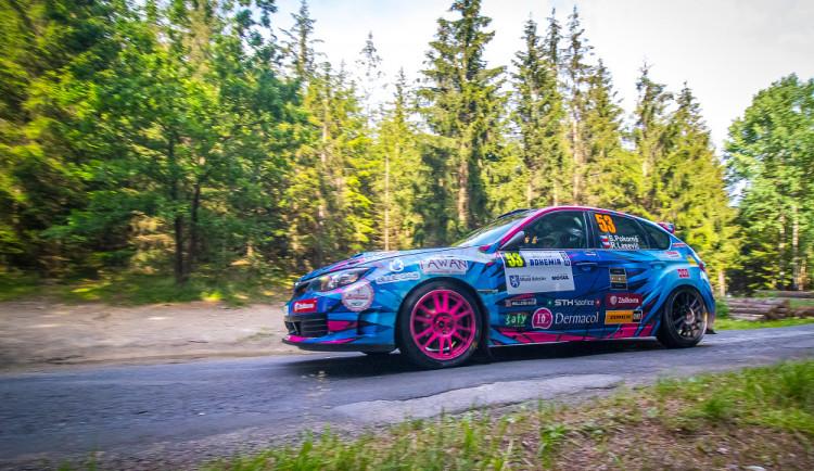 FOTO: Rally Bohemia 2020 vyhrál Václav Pech. Za ním skončil Kopecký